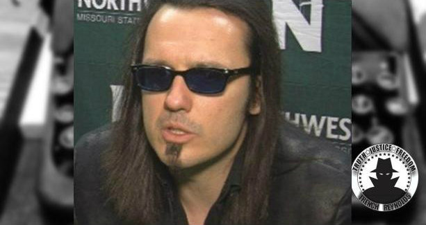 Attention seeker Damien Echols doesn't pay attention to #truecrime fans