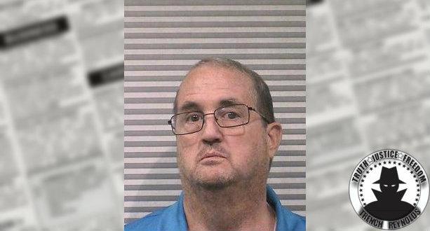 Craigslist creeper calls cop on craigslist con