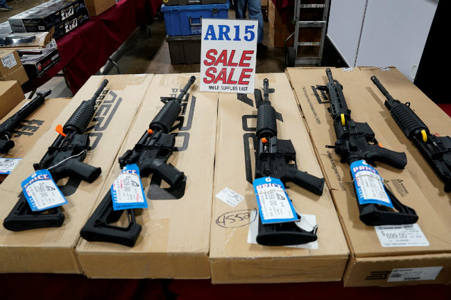 Gun store that sold weapon to school shooter closes up shop